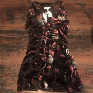URBAN OUTFiTtERS x BB Dakota Floral Velvet Dress